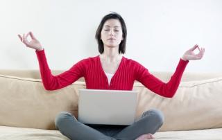 Tribune-attitudes-adopter-developper-slow-management-dans-votre-ent(2)